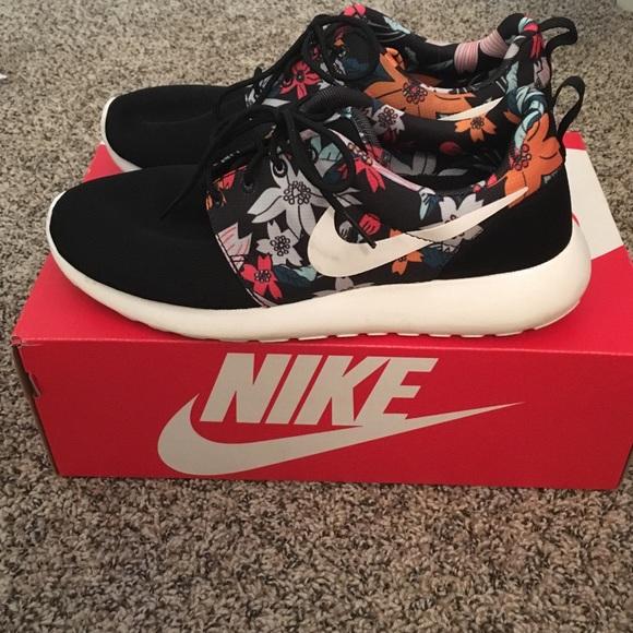 Women's Nike Roshes