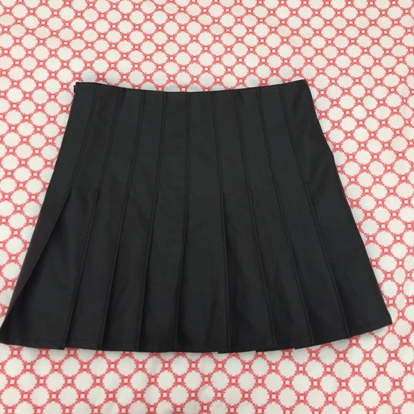 66 american apparel dresses skirts leather skirt
