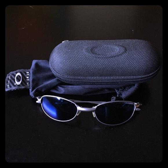 bda7c6c05e2 Oakley genuine software sunglasses. M 571eae61a88e7dec67001af6