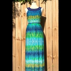 Stunning maxi dress by Studio One