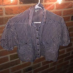 Cute little sailor striped cropped top!