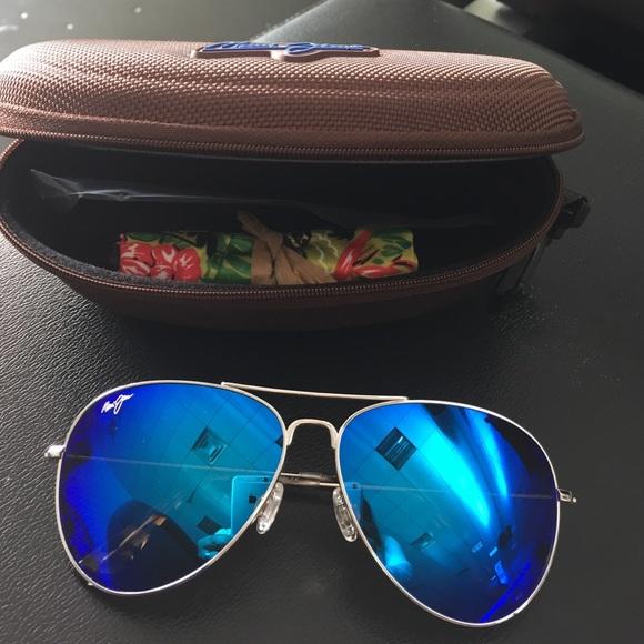 3567b60e7d877 MAUI JIM Polarized Maverick Aviator Sunglasses NWT