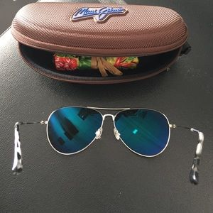 4d44857bfca Maui Jim Accessories - MAUI JIM Polarized Maverick Aviator Sunglasses NWT