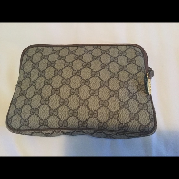 c50f7d99d04 Gucci Handbags - Vintage Gucci Brown Monogram Canvas Clutch Bag