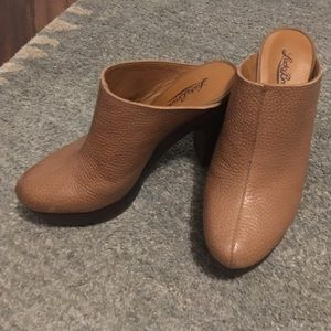 Lucky Brand Colliee Clog in Brown