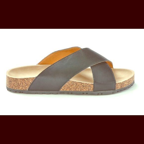 2b176f5e7d44 Sociology Women s Crisscross Footbed Sandals Size8