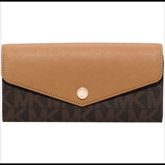 d5e713ab9518 Michael Kors Greenwich Carry All Wallet Brown NWT
