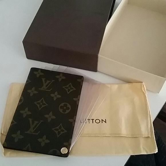 adddf9f2f601 Louis Vuitton Accessories - Authentic Louis Vuitton credit card holder.