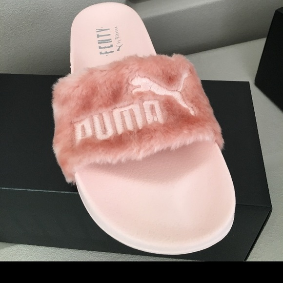 reputable site 40218 76565 Puma Rihanna pink Fenty fur slides 7.5 NWT