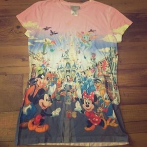 Tops - Disney Magic Kingdom t-shirt: Pink