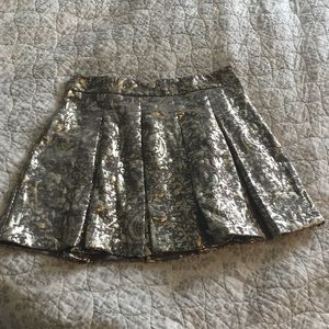 Size XL Pleated Skater Skirt Gold Metallic