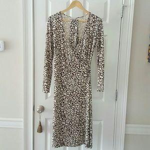 Classiques Entier Dresses & Skirts - ✨SALE!✨ Nordstrom Bodice Wrap Dress