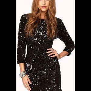 Black Sequined Dress Size L  / never worn (new)