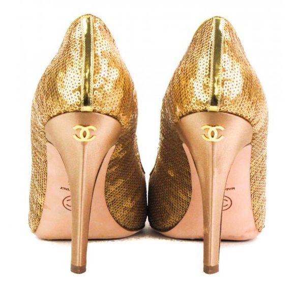 Hp Brand New Gold Sequin Chanel Pump