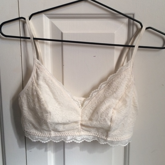 69c7c2ee302 Old Navy white lace bralette. M 571fd15e4225be8fdb005891