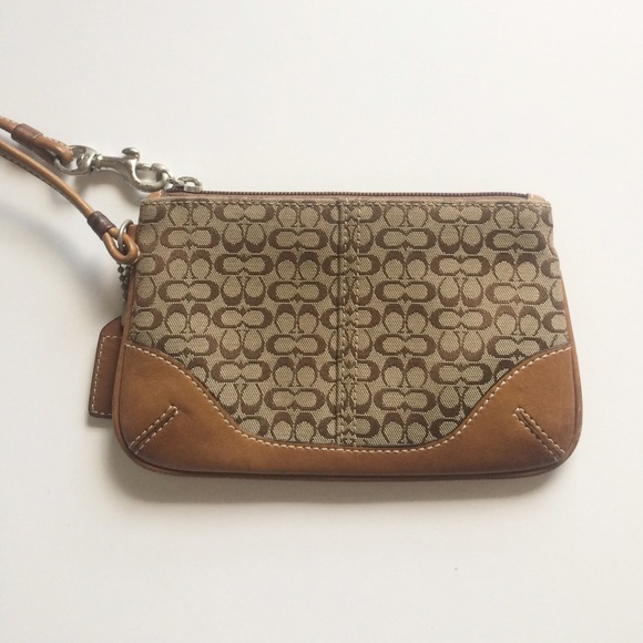 6af8b9a4aac9 Coach Handbags - SALE ⚡️Coach Wristlet Wallet