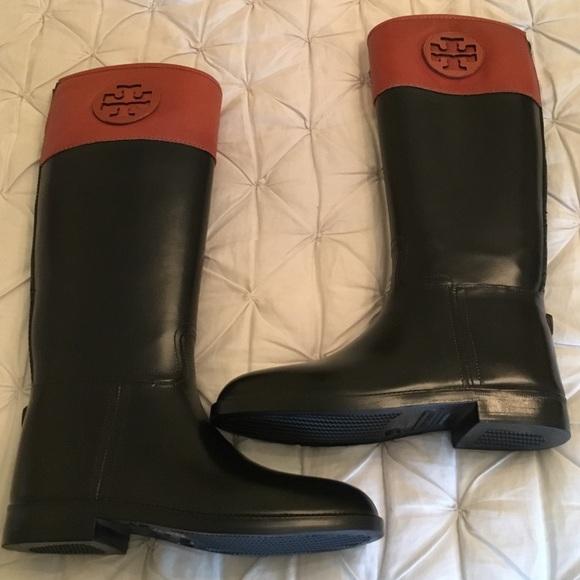 000ad9c23cf8 Tory Burch Classic Rain Boots. M 571ffc90981829974f00996e