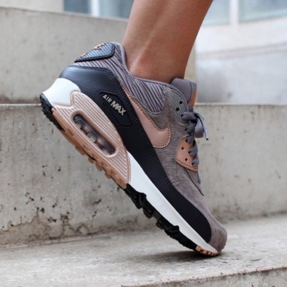 0caf5bf7d51e41 Nike Leather and Suede Air Max 90 Sneakers. M 57200f602599fee06800bdc9