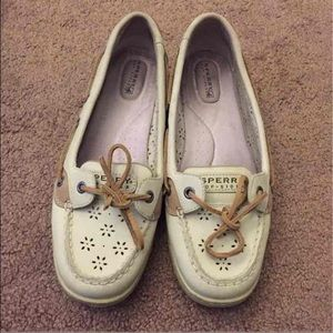 Sperry Top-Sider Shoes - White sperrys ☀️☀️
