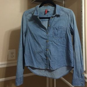 H&M Tops - H&M chambray button down