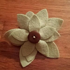 Accessories - Flower Pin