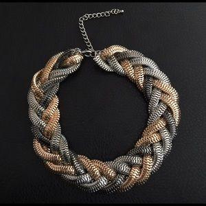 Gorgeous twist chain statement necklace