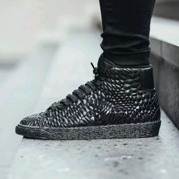 51% off Nike Shoes   SALEu203c Nike blazer mid DMB DIAMONDBACK Snake  TRAINING