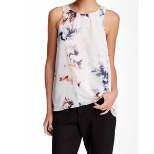 🍾FINAL🍾Sleeveless  Floral Blouse