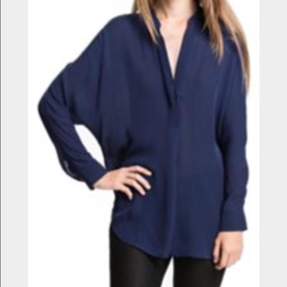 c714774e908fdb Vince Navy blue silk blouse. M 5769fb11522b45e2a4015d3a