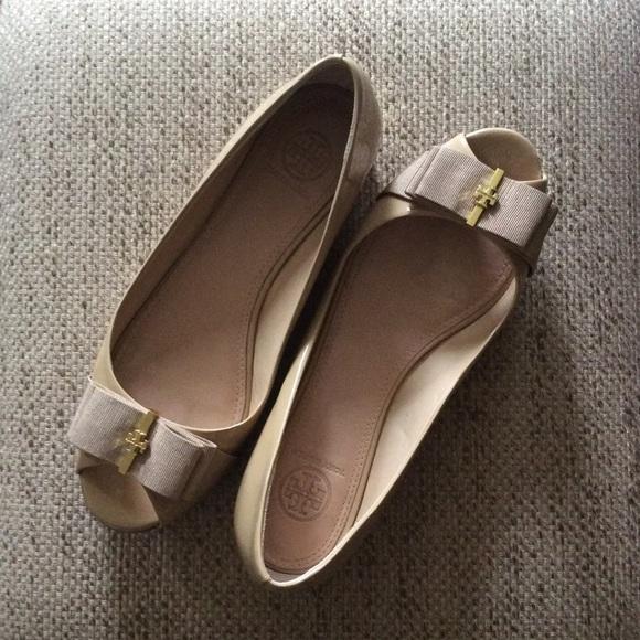 1307b504c4b7 🌟Final🌟Tory Burch Trudy open toe wedge. M 57210a4413302a664600ce8c