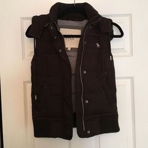 Abercrombie & Fitch down fill puffer vest