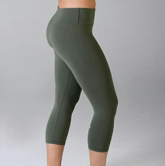 ee5fc5de97f8f lululemon athletica Pants | Army Green Workout | Poshmark