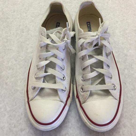 5db7b727569b5d Converse Shoes - White Converse low-tops size 7 women
