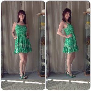 NWT GREEN FLOWER PRINT DRESS