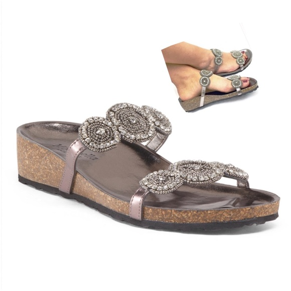 Chic Rhinestones Embellished Slide Sandals - BEIGE Top Quality Cheap Price Sale Low Shipping SVRWxzYO8