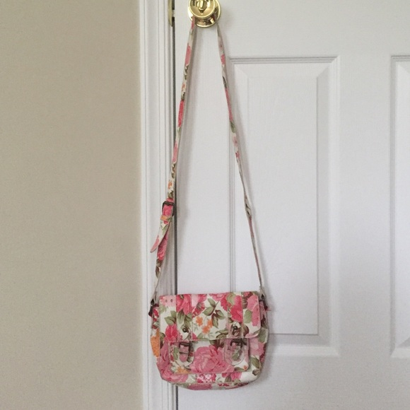 6965eed29c13 Pink floral cross body bag -- Jc Penny --