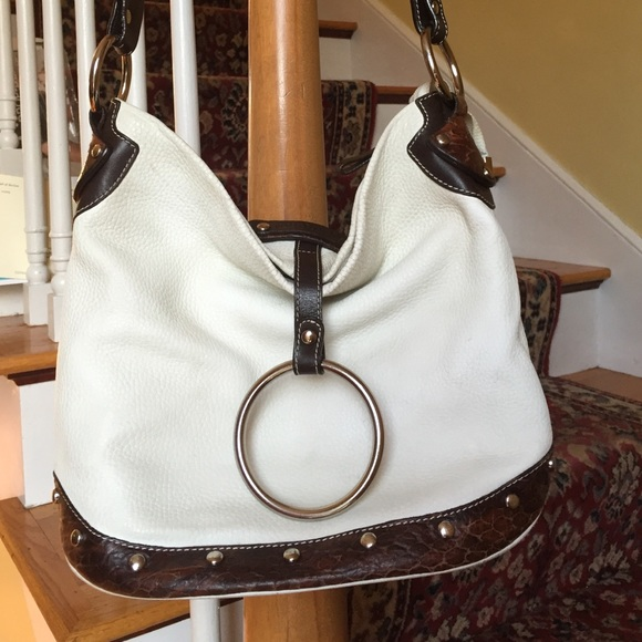 Puntotres Bags   Of Barcelona Leather Bucket Style Bag   Poshmark 6767bb9321