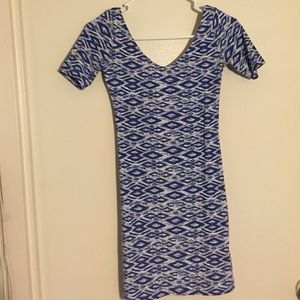 H&M cotton chevron/diamond patterned dress