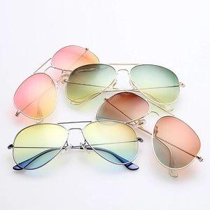 Accessories - ⭐️Mirror Sunglasses - The Sophia