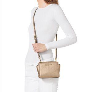 b7e2ef676f9c78 Michael Kors Bags - Authentic Gold Michael Kors Selma Mini Bag