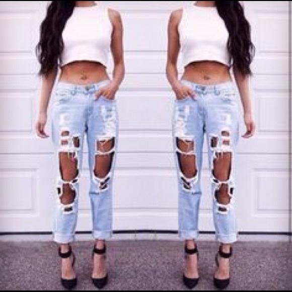 92787c28f6b Reverse boyfriend ripped jeans. M_57219caab4188e277100eee4