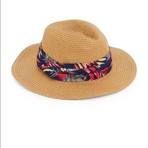 host pickEugenia Kim resort hat