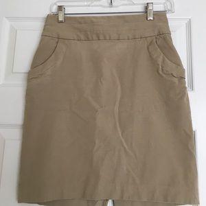 Banana Republic Dresses & Skirts - Banana Republic tan skirt with pocket detail