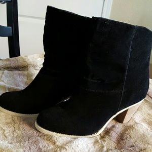 3 inch microsuede boots size 8.5