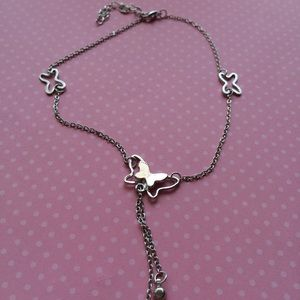 Jewelry - 3 Silver Butterflies on this Ankle Bracelet