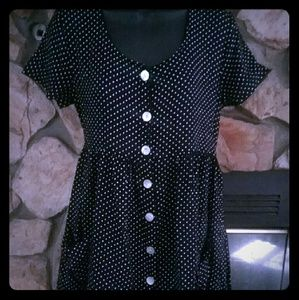 80%20 Dresses & Skirts - M/L button up shirt dress with front pockets. Cute