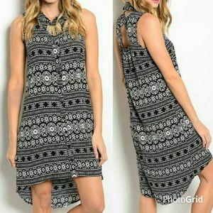 Dresses & Skirts - 🚨CLOSET CLEAR OUT🚨blk/wht print hi-lo mini