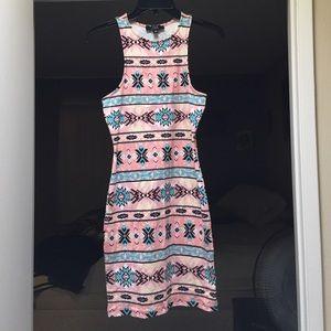 ✨ NWOT Aztec dress