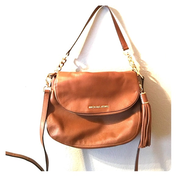 abd6d82d4588 MICHAEL KORS Medium Bedford Convertible Crossbody.  M 5722a7778f0fc44070000c4e