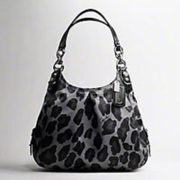 c6f3959c4668 Coach Handbags - •RARE Coach Mia Maggie Purse•